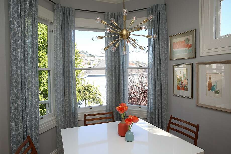 The dining area of interior designer Jennifer Jones' home. Photo: Liz Hafalia, The Chronicle