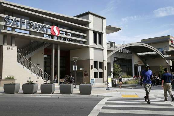 The Safeway store at College and Claremont avenues is seen in Oakland, Calif. on Wednesday, Oct. 14, 2015. Cerberus Capital Management, which just completed a merger between its Safeway and Albertson's grocery stores, plans on taking the supermarket chains public again.