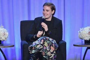 Lena Dunham announces health concerns on Facebook - Photo