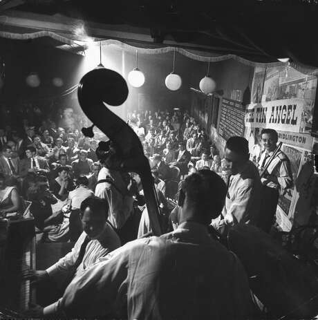 American ragtime and jazz pianist Wally Rose (1913-1997) and his band perform at the Tin Angel in San Francisco in October 1955. Photo: Nat Farbman, The LIFE Picture Collection/Gett