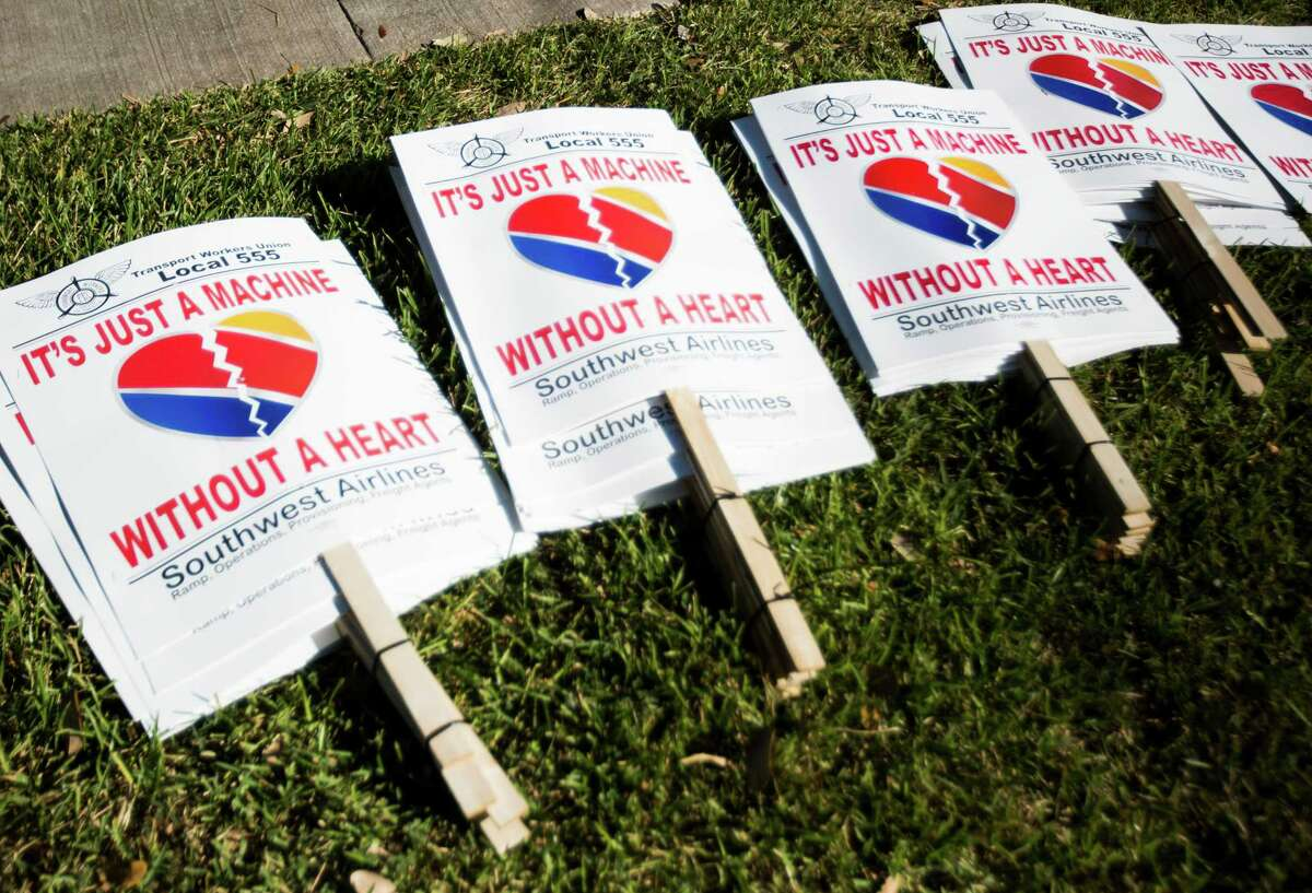Southwest Airlines flight attendants also took to picket lines in October over contract talks with the carrier. (Marie D. De Jesus / Houston Chronicle )