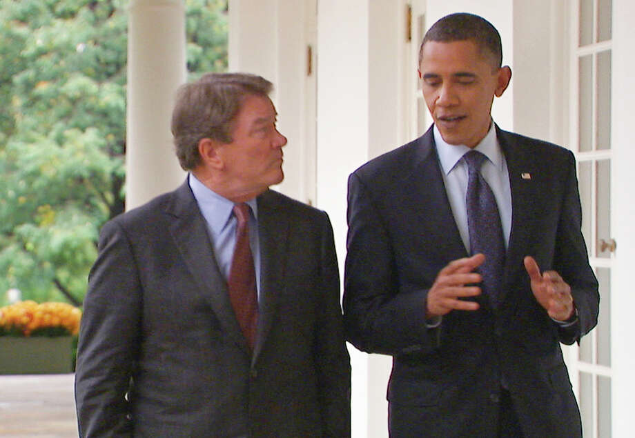 "In this image taken from video and released by CBS, President Obama talks with ""60 Minutes"" correspondent Steve Kroft at the White House in Washington on Nov. 4, 2010. In a more recent ""60 Minutes"" interview Obama would not admit errors. Photo: /AP / CBS"