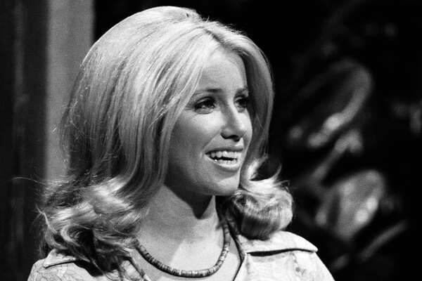 THE TONIGHT SHOW STARRING JOHNNY CARSON -- Aired 07/05/1974 -- Pictured: Actress Suzanne Somers -- Photo by: Paul W. Bailey/NBCU Photo Bank