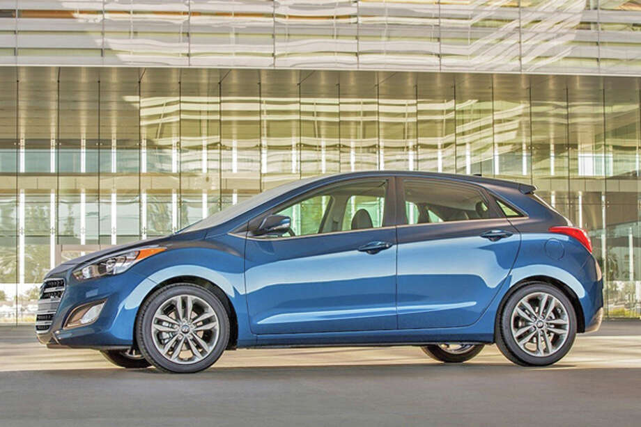 2016 Hyundai Elantra GT (photo courtesy of Hyundai)