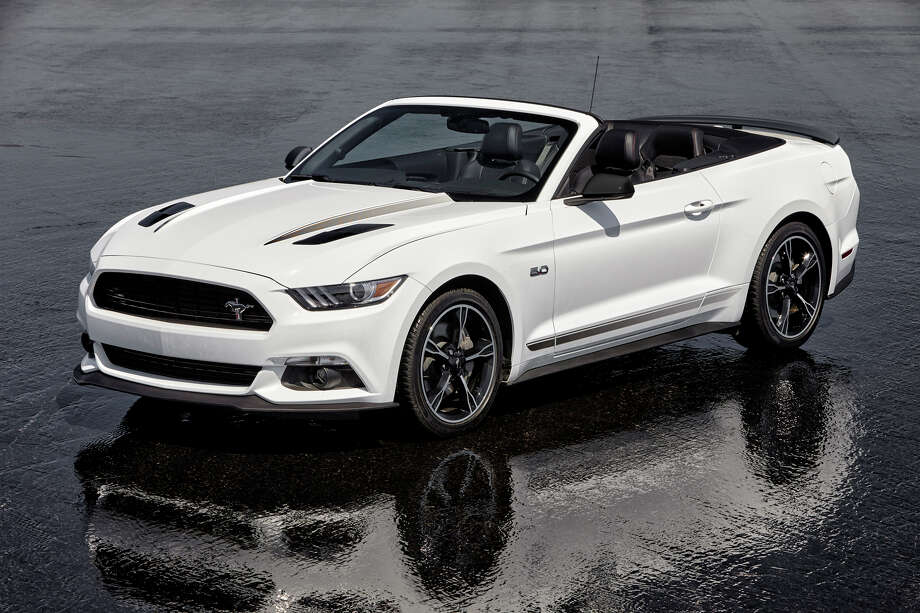 test drive 2016 ford mustang convertible times union. Black Bedroom Furniture Sets. Home Design Ideas