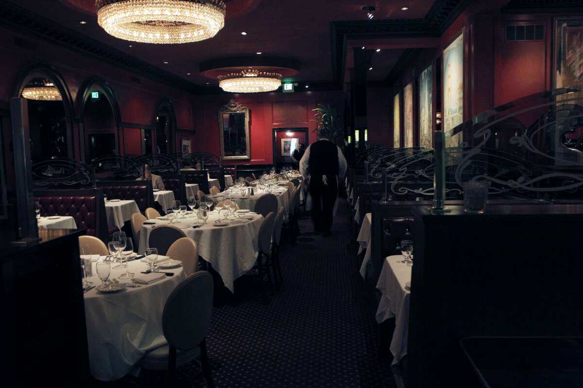 The dining room at Alfred's Steakhouse