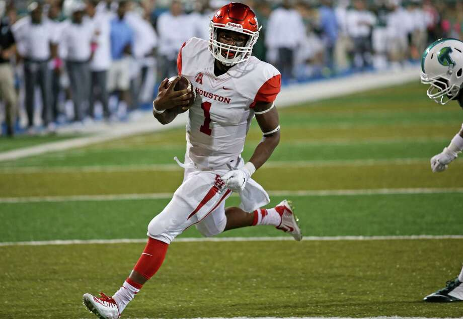 UH quarterback Greg Ward Jr. is tied with LSU running back Leonard Fournette for the FBS lead in rushing touchdowns with 14. Photo: Max Becherer, FRE / FR171354 AP