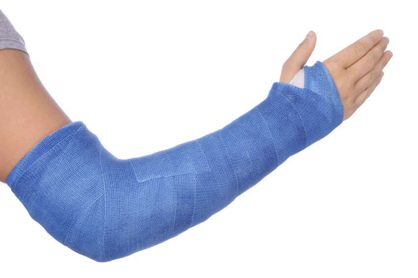 Employee broke his arm reaching to grab a falling sandwich.