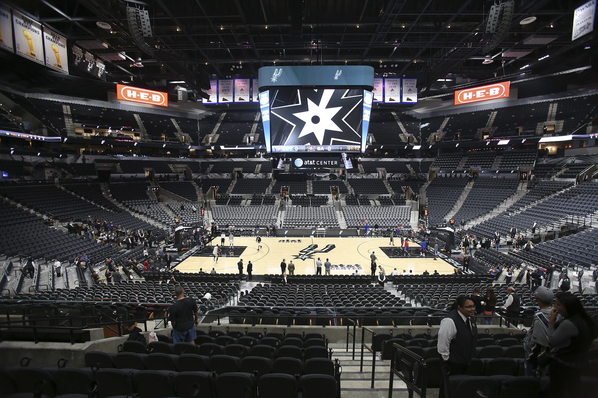 At t center receives positive reviews from fans officials for Dining near at t center san antonio