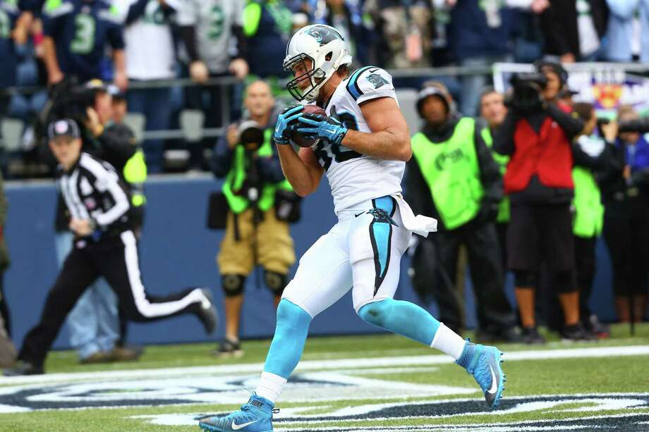 Carolina's Greg Olsen scores the game winning touchdown in the fourth quarter of the Seahawks game against the Panthers, Sunday, October 18, 2015. Photo: GENNA MARTIN, SEATTLEPI.COM / SEATTLEPI.COM