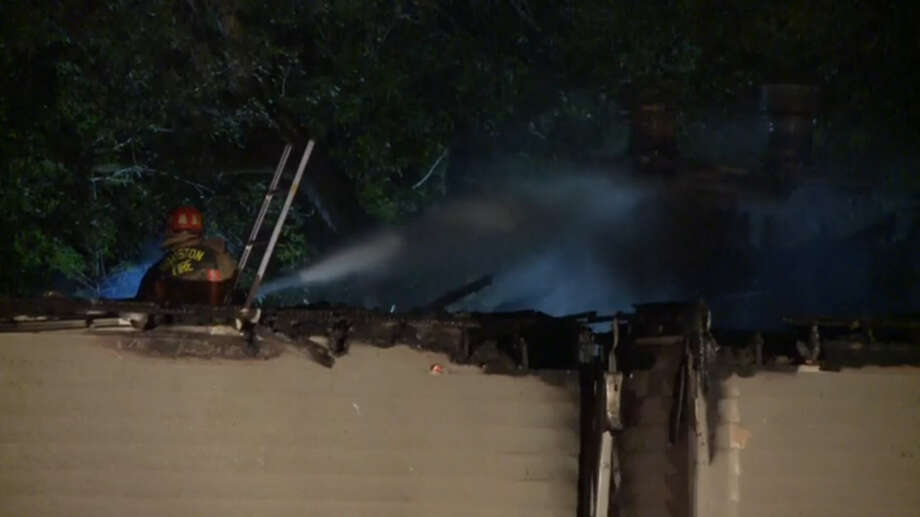 Fire destroyed a West Houston apartment complex early Monday morning. Photo: Metro Video