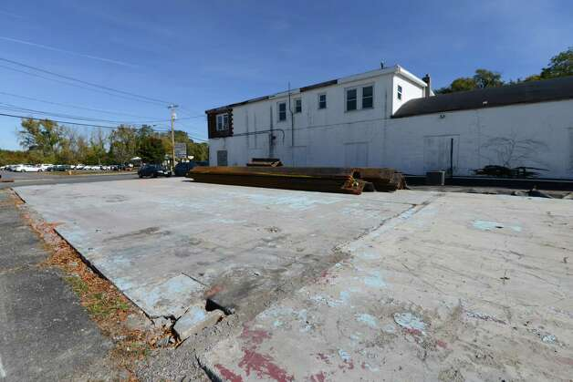 Site of a former Roxy Cleaner on Delaware Ave. Monday, Oct. 19, 2015, in Delmar, N.Y. The building was demolished and chemicals are polluting the site. The state will spend about $621,000 to clean up chemicals left in the ground. (Will Waldron/Times Union) Photo: Will Waldron / 10033815A