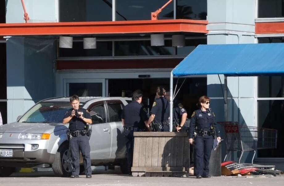 One person was killed and at least six others injured after an SUV drove into a Houston H-E-B grocery store Oct. 19, 2015. Photo: Cody Duty/Houston Chronicle