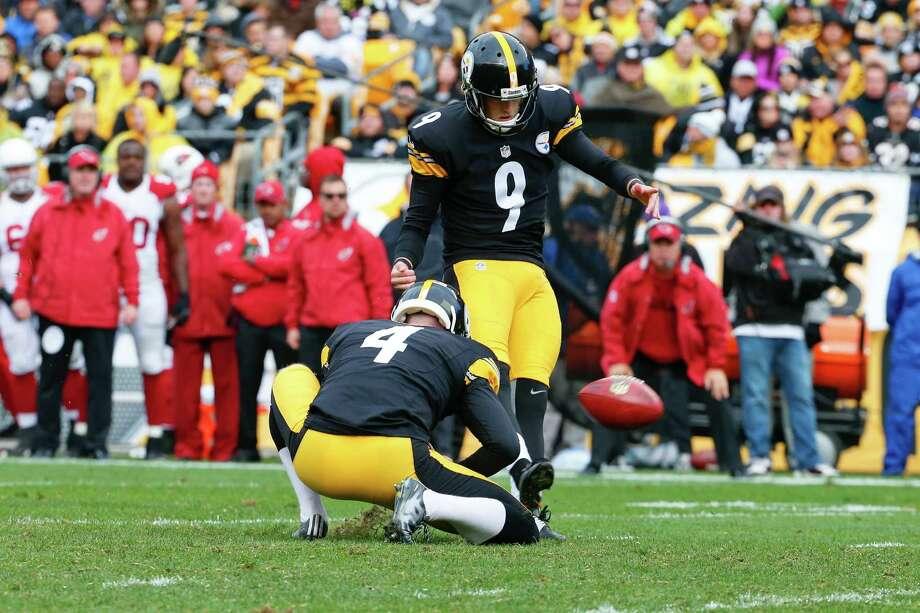 Pittsburgh Steelers kicker Chris Boswell (9) makes a field goal in the second half of an NFL football game against the Arizona Cardinals, Sunday, Oct. 18, 2015 in Pittsburgh. The Steelers won 25-13. (AP Photo/Gene J. Puskar) Photo: Gene J. Puskar, Associated Press / AP