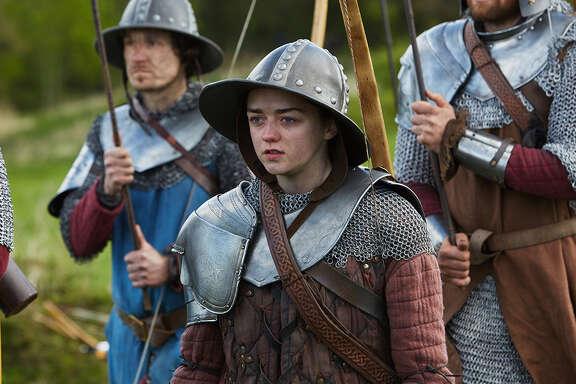 Maisie Williams plays Ashildr, a storyteller. Doctor Who, Season 9, Episode 5.