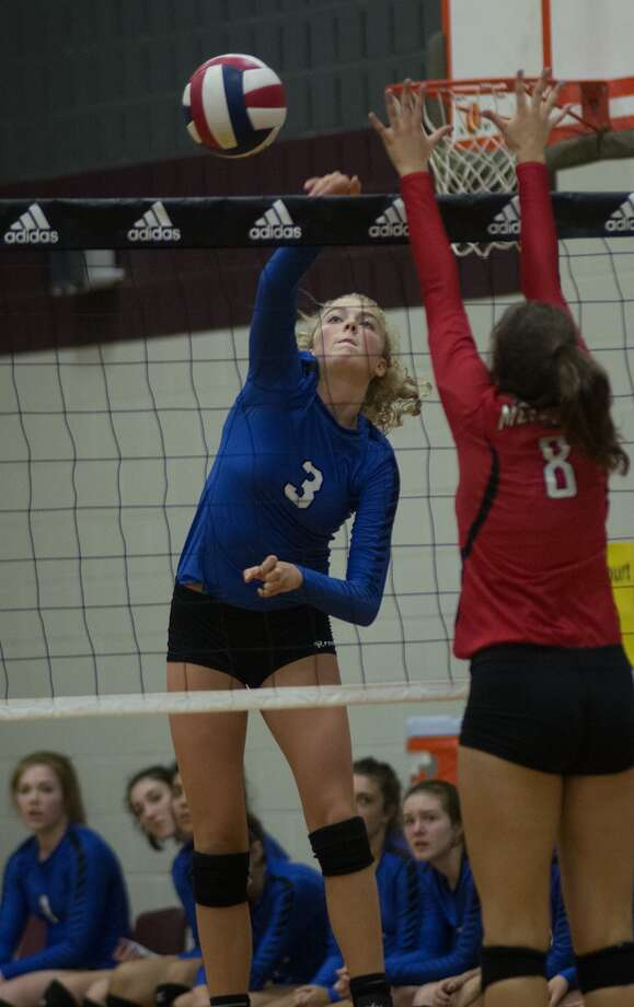 Friendswood junior outside hitter Shannon Murphy has been stellar for the Mustangs this season. Photo: Jerry Baker, Freelance