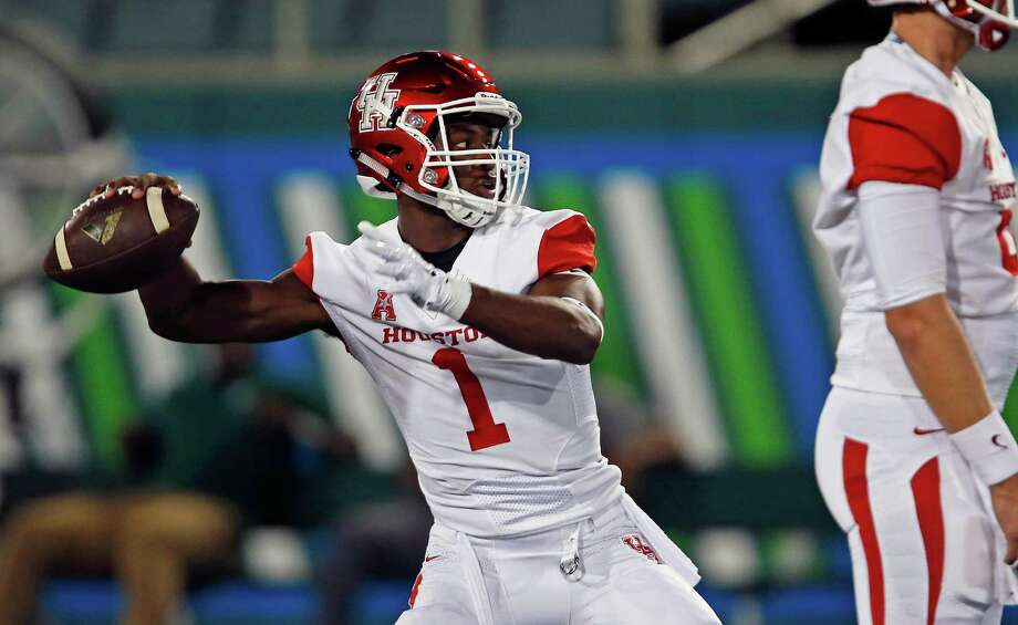 Houston quarterback Greg Ward Jr. (1) throws during warmups before an NCAA college football game against Tulane in New Orleans, Friday, Oct. 16, 2015. (AP Photo/Max Becherer) Photo: Max Becherer, FRE / FR 171354AP