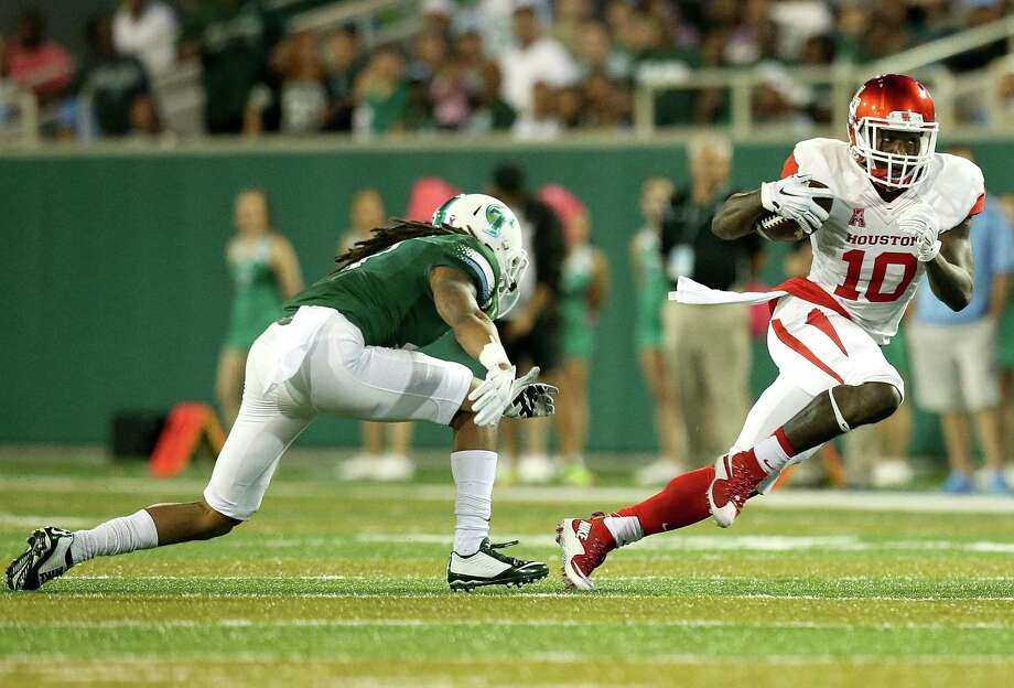 Demarcus Ayers gave Tulane a taste of his elusiveness with eight punt returns for 175 yards, including a touchdown, and six catches. Photo: Sean Gardner, Stringer / 2015 Getty Images