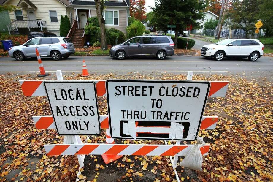 Cars line up down 23rd Avenue near the intersection with E Cherry Street as street construction continues. Photographed Monday, October 19, 2015. Photo: GENNA MARTIN, SEATTLEPI.COM / SEATTLEPI.COM