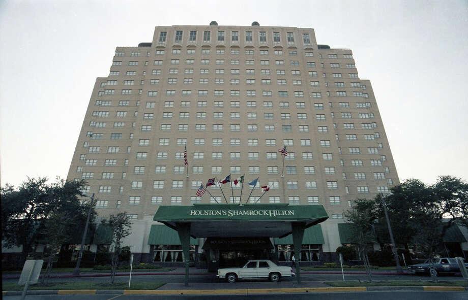 Shamrock Hilton Hotel, Oct. 4, 1985. Photo: John Everett, Houston Chronicle / Houston Chronicle