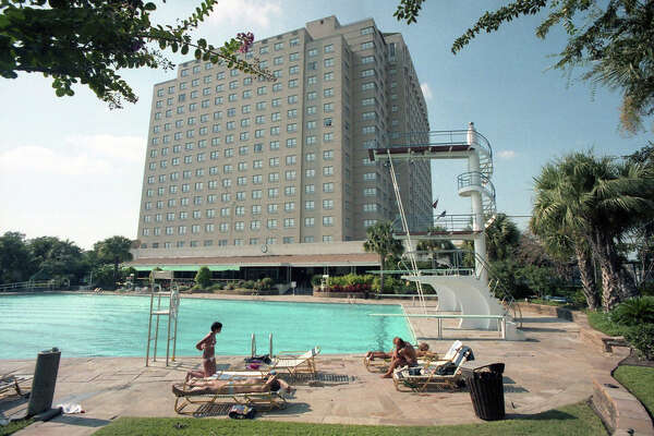 Shamrock Hilton Hotel, Oct. 4, 1985. 6.2.6