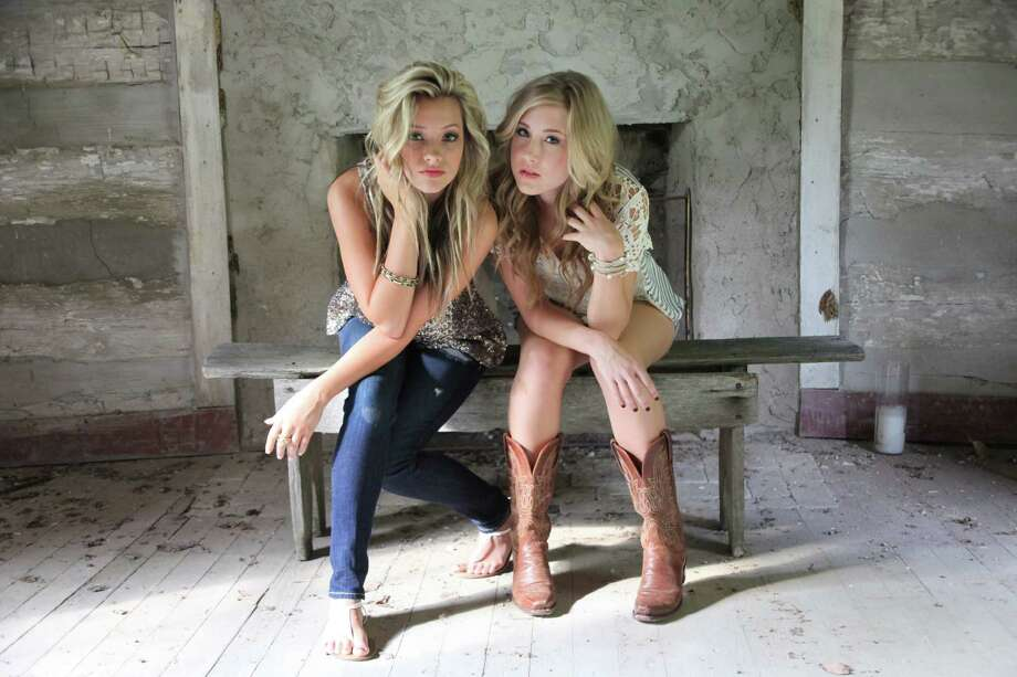 Country duo Maddie and Tae Photo: Melindanorrisphotography.com