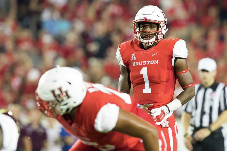 Houston Cougars' quarterback Greg Ward Jr. (1) surveys the defensive alignment of the Texas State Bobcats' near the goal line in the second quarter of a NCAA college football game at TDECU Stadium on Saturday, September 26, 2015, in Houston. ( Joe Buvid / For the Chronicle ) Photo: Joe Buvid, Freelance / © 2015 Joe Buvid