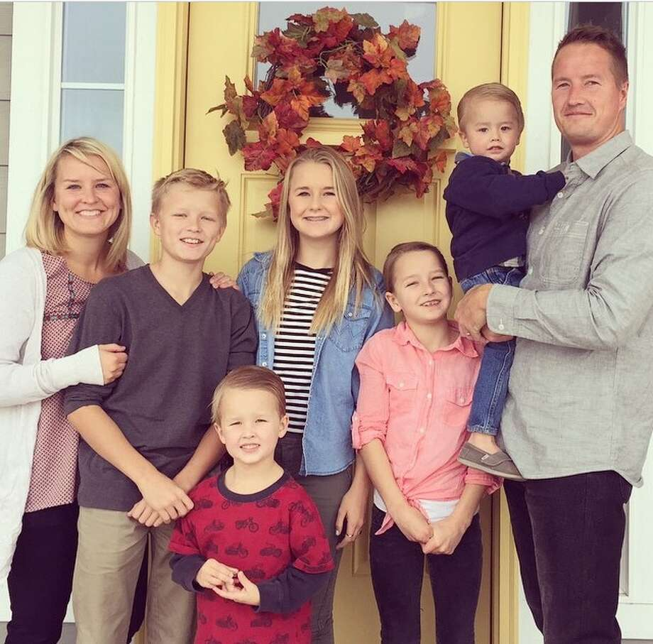 Seth King poses with his family. King writes embarrassing late notes for his children and shares the notes on social media.Click through the gallery to see the amazing notes this father of five has written to excuse his kids' tardiness.