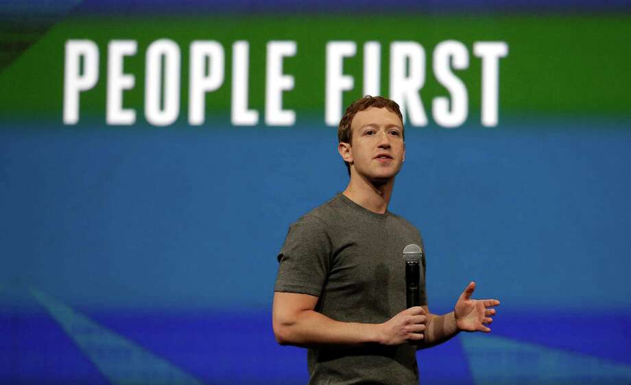 Facebook CEO Mark Zuckerberg gestures while delivering the keynote address at the f8 Facebook Developer Conference in San Francisco. Photo: Ben Margot, Getty Images / ONLINE_YES