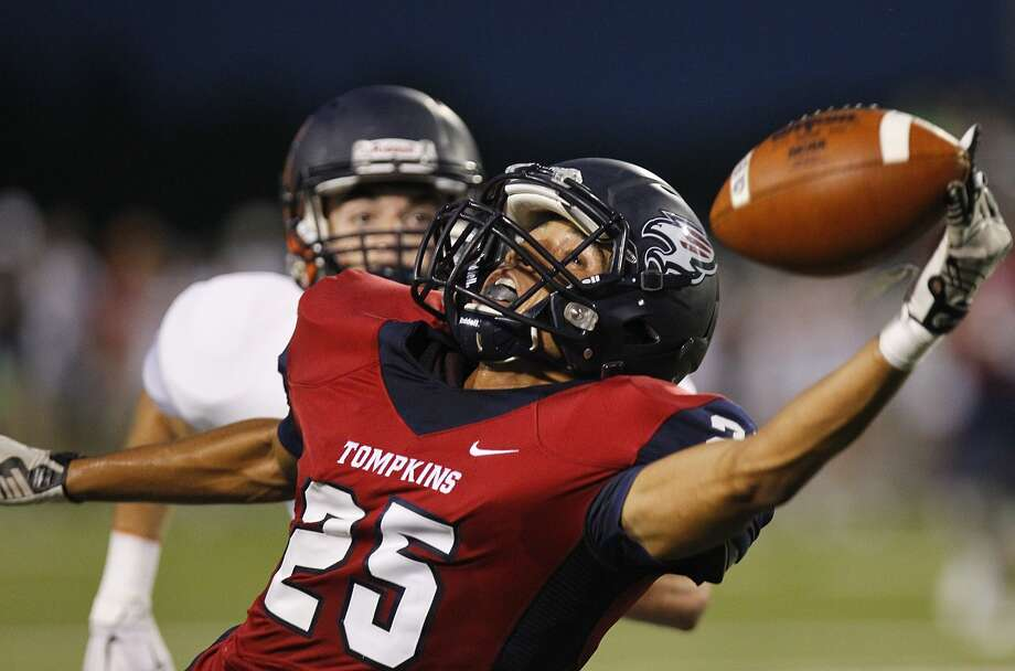 Tompkins is one of two teams in District 19-6A that are causing fans throughout the state to take notice of the league. If the playoffs began this week, Tompkins and Strake Jesuit would be in. Due to their tiny enrollments - by 6A standards - they would go to the Division II bracket and send Katy to Division I for the first time since 2010. That would mean no Katy rematch with Manvel or Cedar Hill, but it could mean the Tigers possibly matching up against Allen, the three-time defending Division I champions. Because Tompkins (3-4, 2-2) is one game ahead of Morton Ranch (2-5, 1-3), a victory this week would give the Falcons a good shot to qualify for the postseason and turn the state upside down. They play at 7 p.m. Friday at Rhodes. Photo: Diana L. Porter, Freelance / © Diana L. Porter