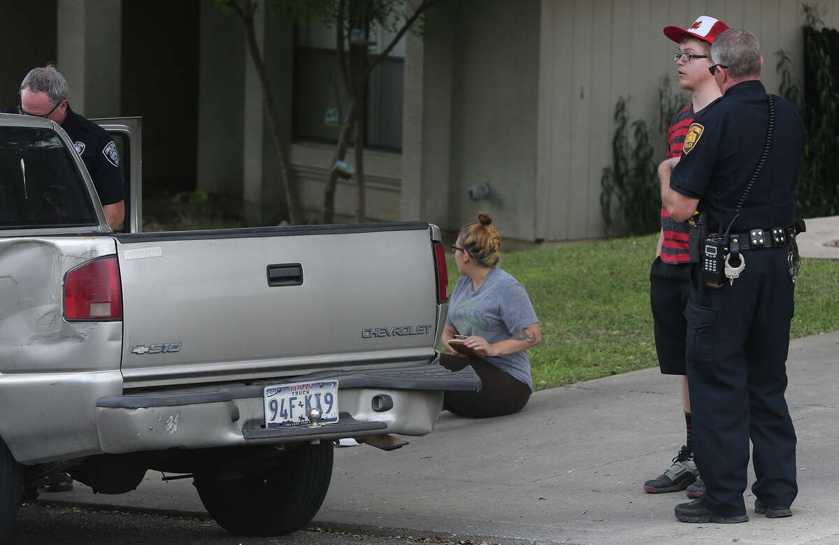 San Antonio police investigate Wednesday October 21, 2015 on the 16,000 block of Blanco Key on San Antonio's North Side. An argument broke out between two men on nearby Walnut Creek road that resulted in an alleged stabbing took place.