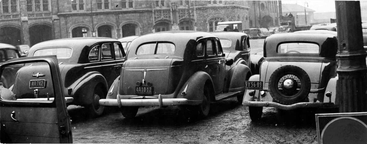 Albany streets and cars, Jan. 2, 1941. (Times Union Archive)