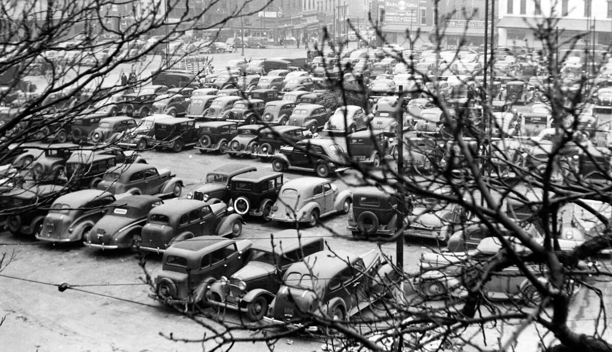 Albany parking lot opposite from Market Place, Dec. 28, 1940. (Times Union Archive)