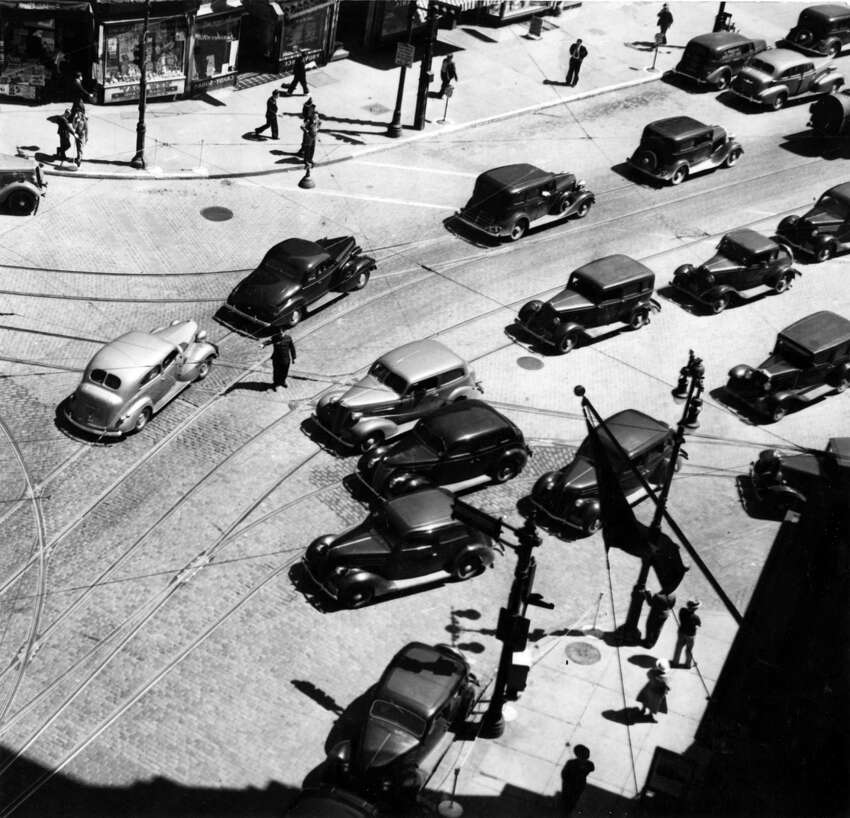 Albany traffic at State and Broadway, June 1, 1937. Original caption: