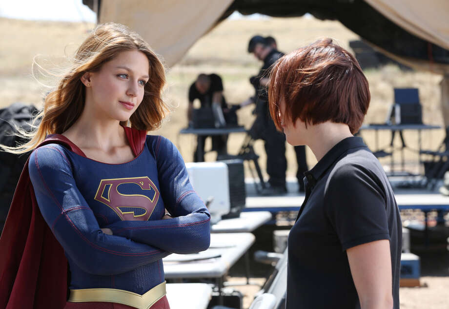 "Melissa Benoist and Chyler Leigh in ""Supergirl."" Photo: Cliff Lipson / Cliff Lipson / CBS / ©2015 CBS Broadcasting, Inc. All Rights Reserved"