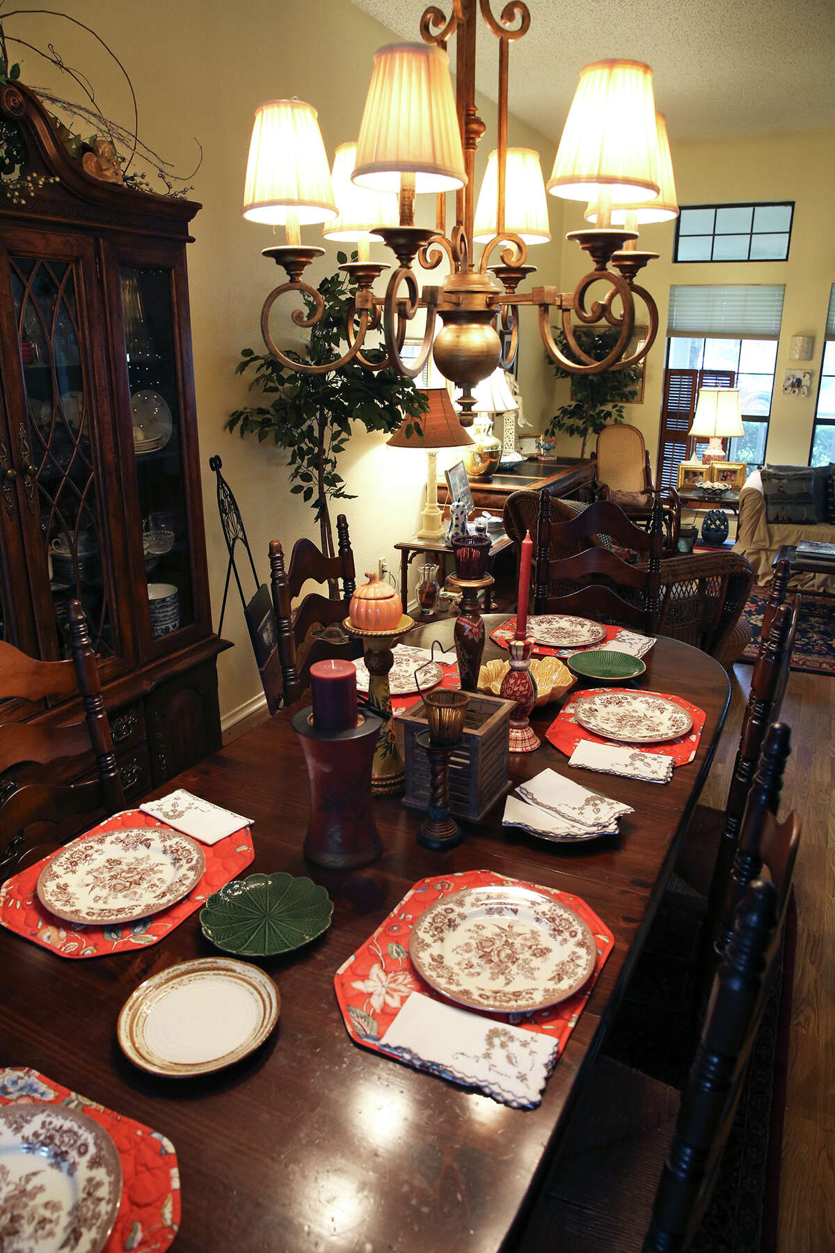 Formal dining room at home of Mary Hays on October 21, 2015.