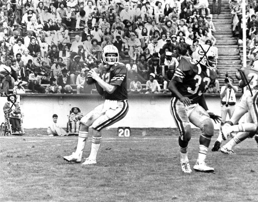 Joe Roth on the field for the Cal Bears.