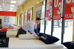 Mattress Firm to acquire big rival - Photo