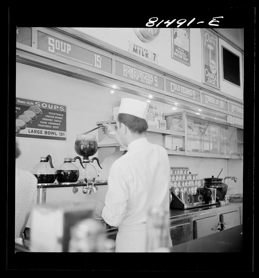 White Tavern hamburger stand was the popular place in Amsterdam, New York, 1941 Photo: John Collier / Courtesy / FSA-OWI Collection / Library Of Congress