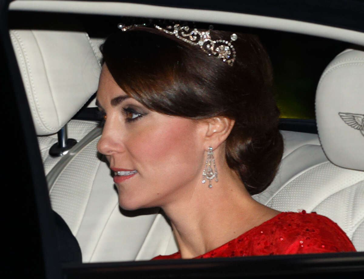 Catherine, Duchess of Cambridge arrives wearing a tiara made by Garrard London at Buckingham Palace to attend a State Banquet to honour the State Visit by China's President Xi Jinping on October 20, 2015 in London, England.