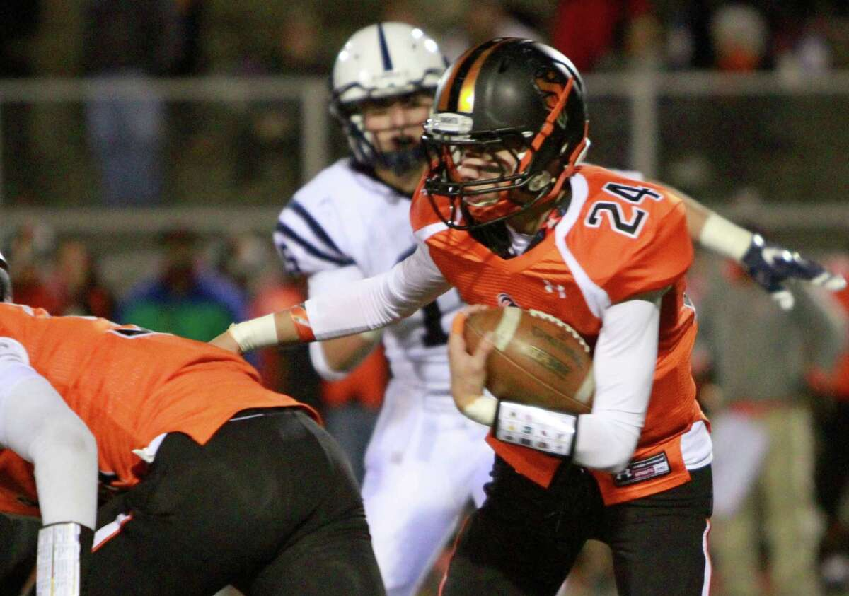 It's highly, highly unlikely that Stamford or Wilton will be in the playoffs this season, but Friday's meeting between the FCIAC counterparts was one of the most entertaining games so far. After blowing a 20-point lead in the second half, the Warriors won 30-27 in overtime on a 20-yard kick byWill Sullivan, his third field goal of the night.