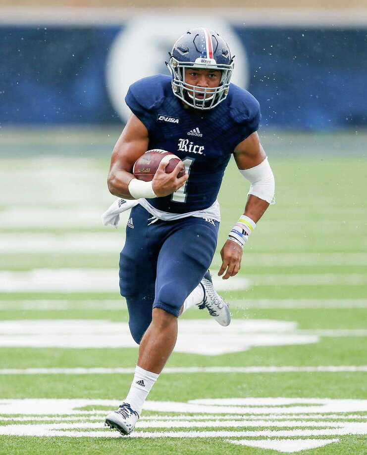 HOUSTON, TX - OCTOBER 24:  Darik Dillard #1 of the Rice Owls runs for a 34 yard touchdown in the first quarter against the Army Black Knights at Rice Stadium on October 24, 2015 in Houston, Texas. Photo: Bob Levey, Getty Images / 2015 Getty Images