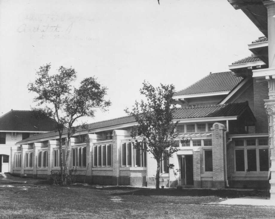 Exterior of the conservatory at the George W. Brackenridge residence located north of Fort Sam Houston in area later developed as residential district named Bel Meade. Photo: /UTSA Special Collections / UTSA Special Collections