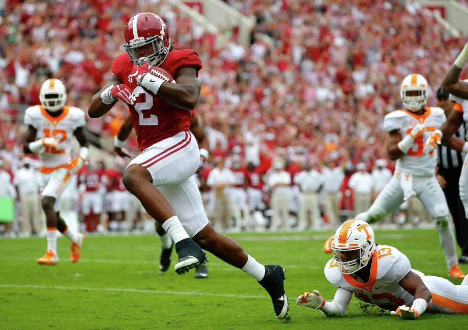 Alabama's Derrick Henry will provide the ultimate challenge for a Michigan State defense known for shutting down its opponents' running games. Photo: Kevin C. Cox, Staff / 2015 Getty Images