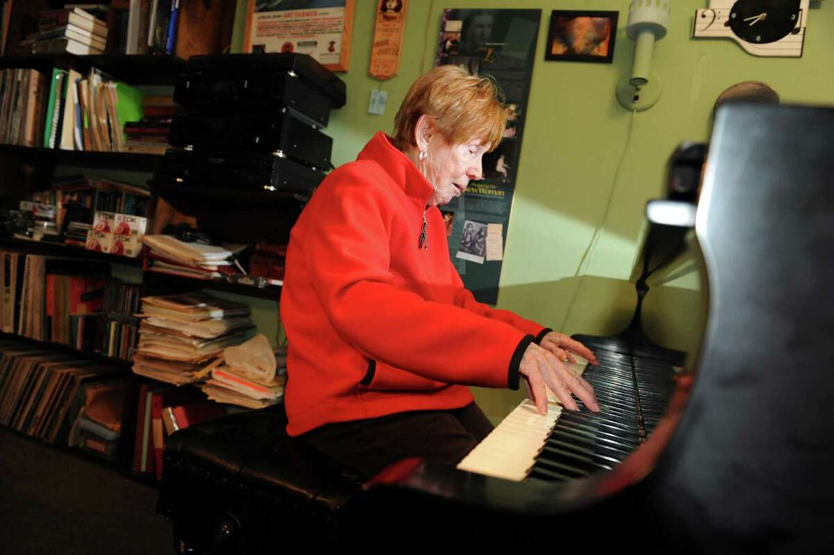 Jazz pianist Lee Shaw plays her piano on Thursday, Nov. 8, 2012, at her home in Colonie, N.Y. (Cindy Schultz / Times Union)