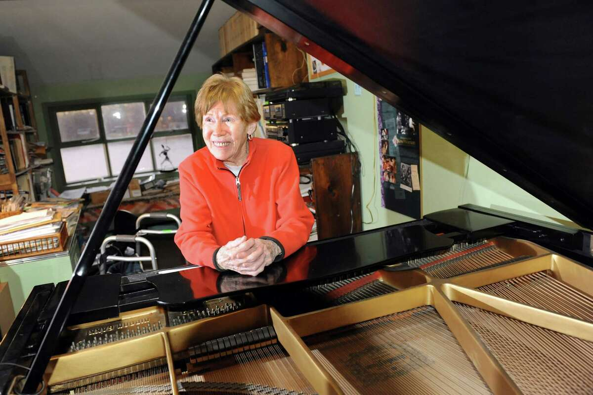 Jazz pianist Lee Shaw at the piano on Thursday, Nov. 8, 2012, at her home in Colonie, N.Y. (Cindy Schultz / Times Union)