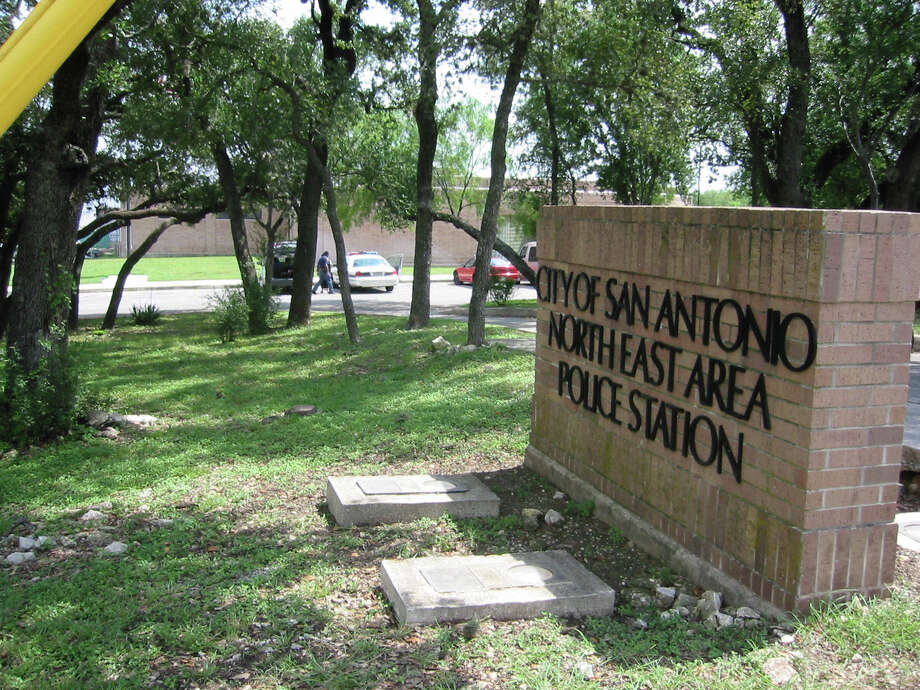 The front of the SAPD Northside substation. Photo: Chuck McCollough /SAN ANTONIO EXPRESS-NEWS / SAN ANTONIO EXPRESS-NEWS