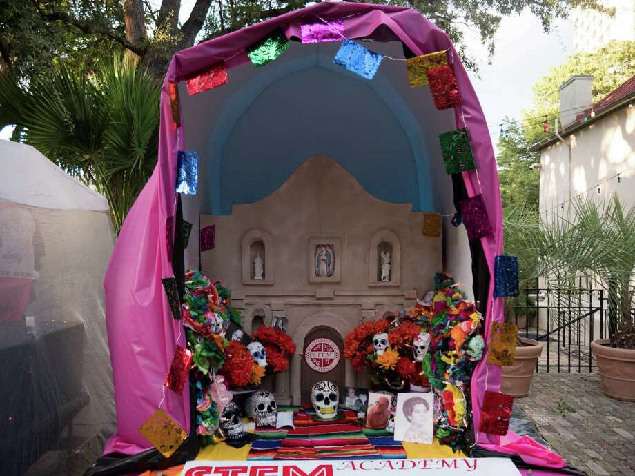 The Day of the Dead was celebrated in San Antonio at La Villita on Sunday at with live music, treats, face painting and altars and offerings to dead people. Photo: By Ryan Ibarra, For MySA.com