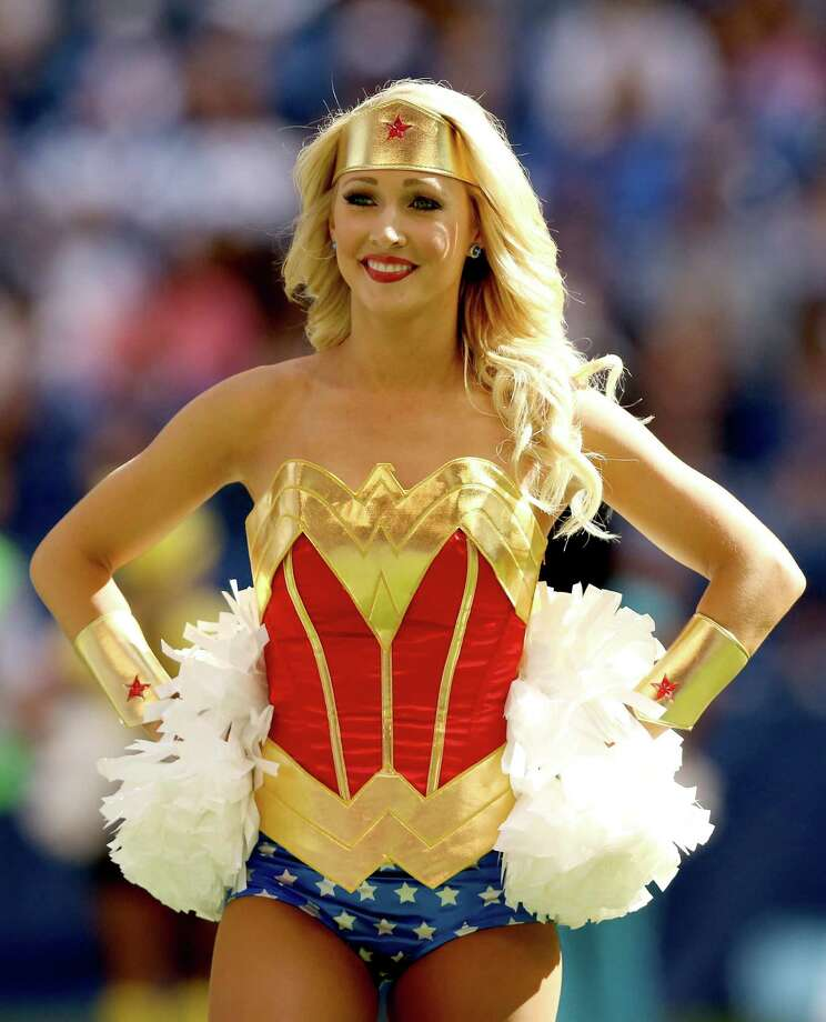 San Diego Chargers Cheerleader: 2015 NFL Cheerleaders: Week 7