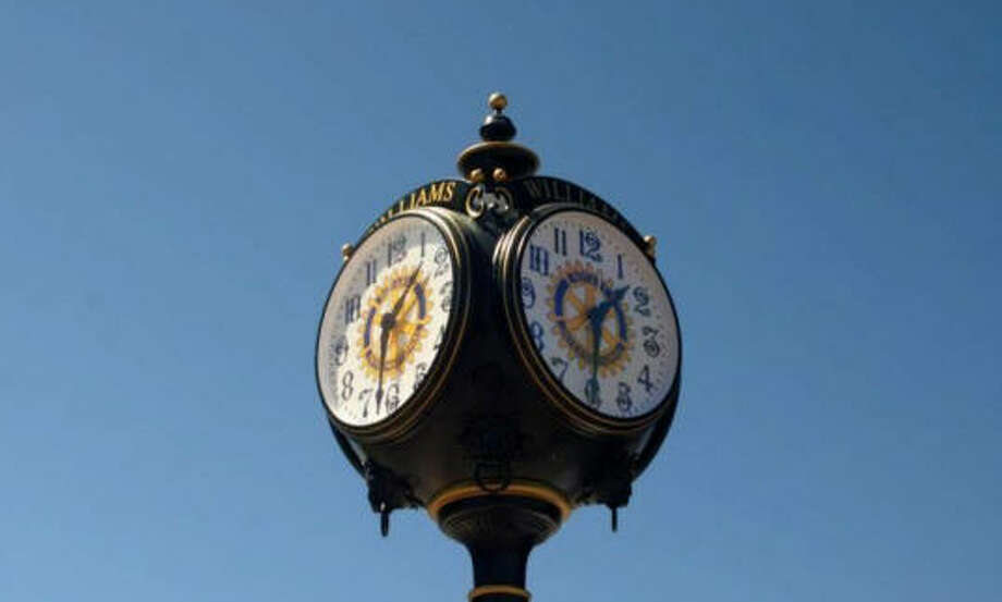 The Rotary Club of The Woodlands has proposed paying for the installation of a clock in Town Green Park to commemorate the clubés 40th anniversary.